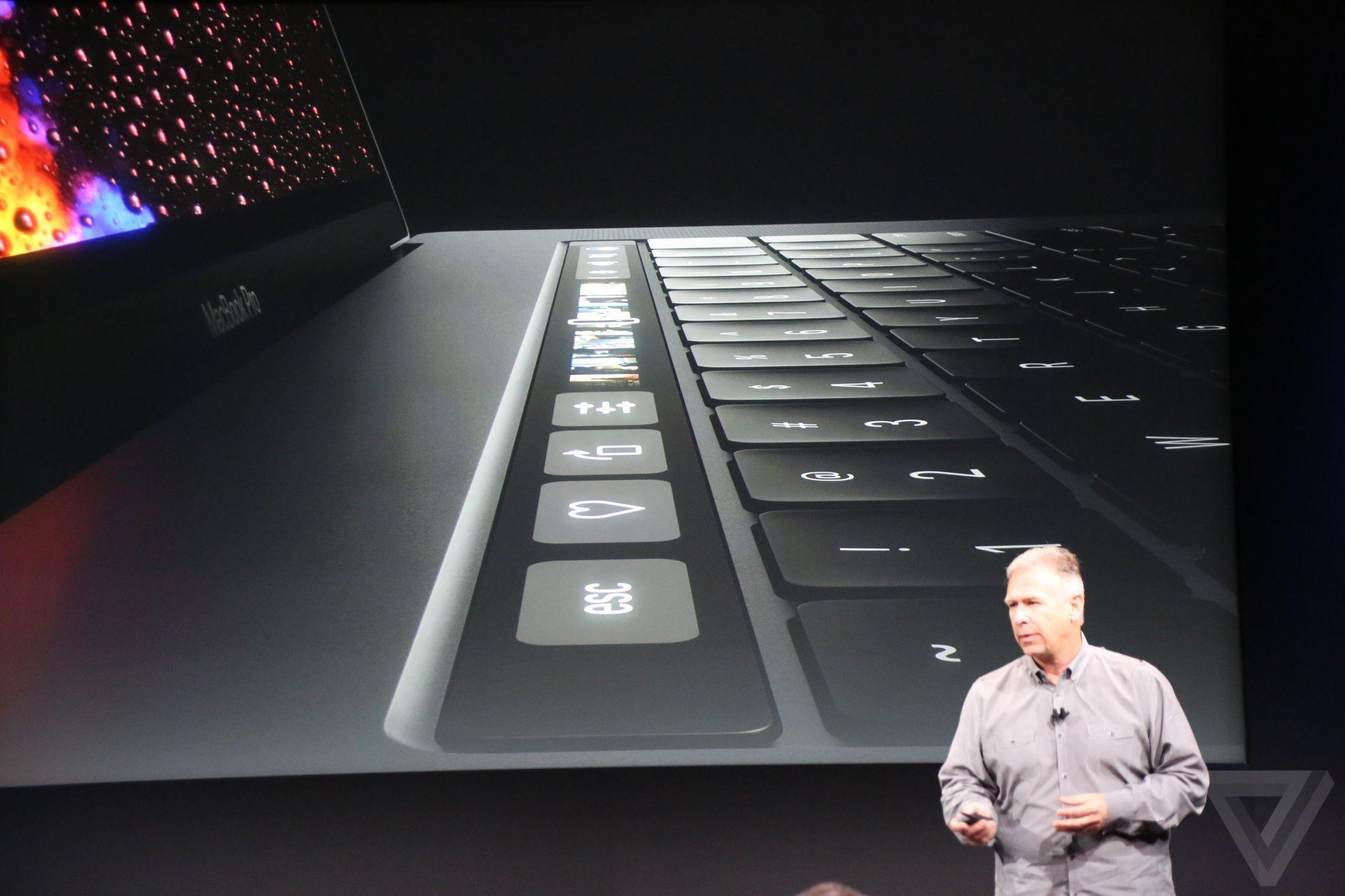 apple-macbook-event-20161027-8121.jpg